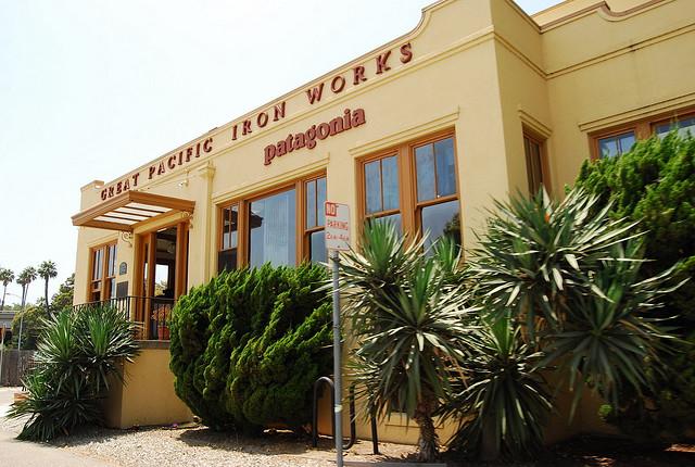 L'entrée du siège de Patagonia à Ventura (Californie) - (CC) Nicolás Boullosa