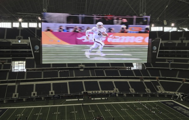 Le grand écran du stade des Dallas Cowboys - (CC) Christophe Lachnitt