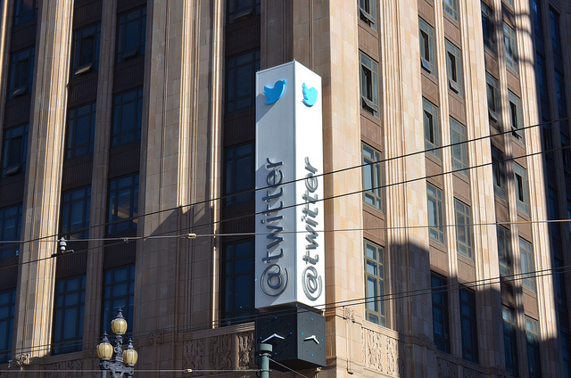 La décoration du Siège de Twitter le jour de la publication de son dossier d'introduction en Bourse - (CC) Steve Rhodes