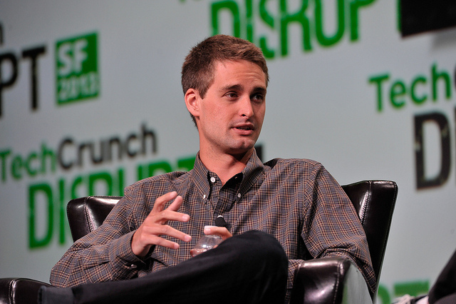 Evan Spiegel, le jeune cofondateur et patron de Snapchat qui aurait refusé une offre d'acquisition de 3 milliards de dollars faite par Facebook - (CC) TechCrunch