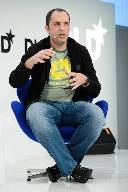 """Jan Koum, cofondateur de WhatsApp, qui """"pèse"""" aujourd(hui près de 7 milliards de dollars après avoir vécu un temps avec sa mère grâce aux coupons alimentaires délivrés par les services sociaux américains - (CC) Hubert Burda Media.jpg"""