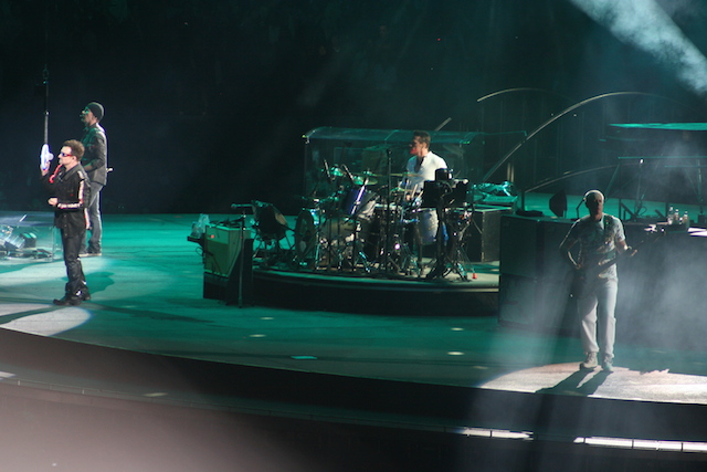 U2 à Denver (Colorado) lors de son 360 Tour en 2011 - (CC) Christophe Lachnitt