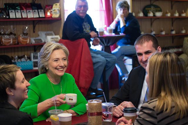 Hillary Clinton en campagne dans l'Iowa la semaine dernière - (CC) Barbara Kinney for Hillary for America