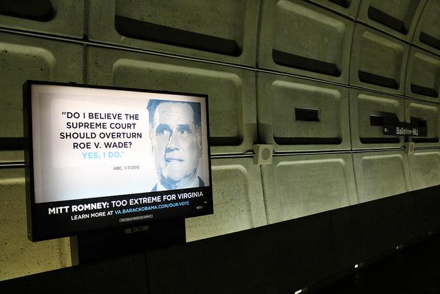 Une publicité de la campagne de Barack Obama dans le métro de Washington D.C. en 2012 - (CC) Elvert Barnes