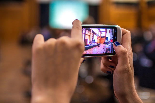 Le développement des usages vidéo sur mobiles ne connaît pas de répit - (CC) Kirill Kniazev
